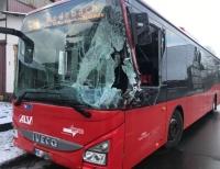 Unfall in Neukirchen - Busfahrerin kommt mit Schrecken davon