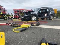 Unfall auf Bundesstraße 251: Zwei Personen schwer verletzt