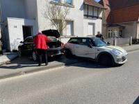 Opel schiebt MINI von der Fahrbahn - 25.000 Euro Sachschaden