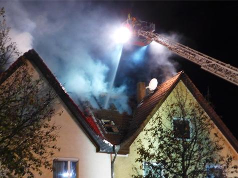 Die Kasseler Wehren löschten am Mittwoch einen Dachstuhlbrand.