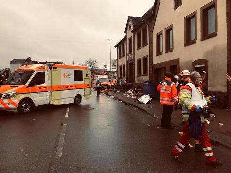 In Volkmarsen raste am Montag ein Mann mit einem Mercedes in eine Menschenmenge.