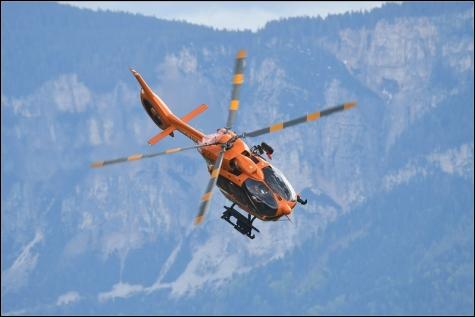 Die Südtiroler Rettungshubschrauber sind oft die letzte Chance hoch oben in den Bergen. Wenn auch sie nicht mehr helfen können, sind oftmals Existenzen bedroht. Dann greifen die Flugretter und Fotografen in ihrer Freizeit ein, um das Schlimmste zu verhindern.