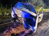 Am 31. August gegen 0.15 Uhr kam es auf der Bundesstraße 485 zu einem Alleinunfall - der Fahrer wurde eingeklemmt und musste durch die Feuerwehr befreit werden.