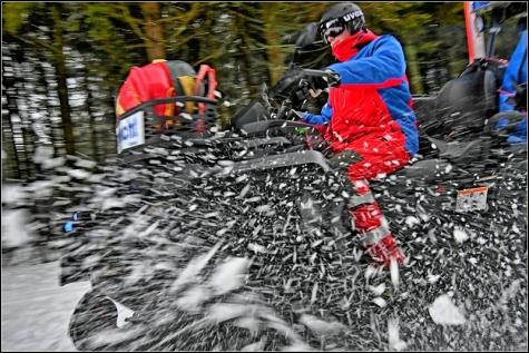 Ehrenamtlich ist Marc Sartorius für die DRK Bergwacht im Einsatz. Im Winter passt er dabei fast jeden Tag auf Skifahrer und Touristen auf.