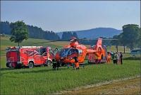 Der Rettungshubschrauber Christoph 7 brachte den Mann mit schwersten Armverletzungen in eine Klinik.