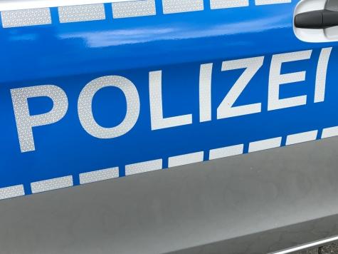 Auf der Bundesstraße 450 ereignete sich am Freitag ein Verkehrsunfall.
