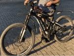 Unterschlagenes Mountainbike der Marke GIANT