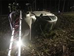 Dieser silbergraue BMW kam am 8. April von der Fahrbahn ab. Der schwerverletzte Fahrer wurde mit dem RTH Christoph 90 nach Marburg geflogen.