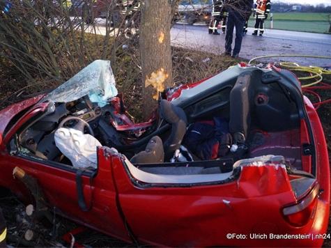 Eien 18-Jährige wurde am 30. November bei einem Unfall auf der B 253 schwer verletzt.