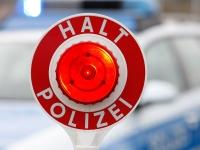Die Polizei stoppte eine Falschfahrerin auf der Bundesstraße 1 - sie war den Anweisungen ihres Navigationsgerätes gefolgt.