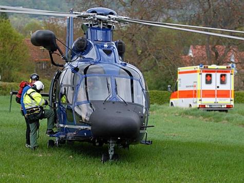 Trotz intensiver Suche konnte der Unfallfahrer nicht aufgefunden werden - die Ermittlungen dauern an