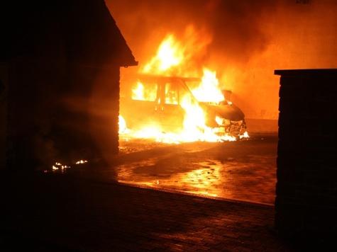 In Höxter brannte am Samstag ein Ford Transit aus.