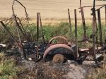 Bei Vasbeck brannte am Montag ein Anhänger aus.