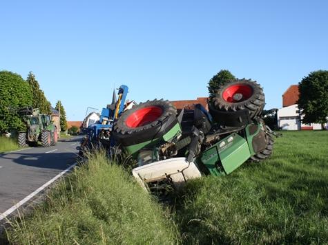 Bei Warburg wurden am 2. Juni zwei Personen schwer verletzt.