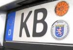 Die Polizei in KOrbach sucht Zeugen einer Unfallflucht - Teile des Kennzeichens sind bekannt.