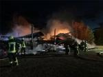 Eine Scheune bei Frankenau, in der Strohballen und Maschinen standen, wurde am 29. Juni ein Raub der Flammen.