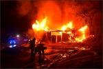 Der vordere Teil der Halle brannte beim Eintreffen der ersten Kräfte bereits in voller Ausdehnung.