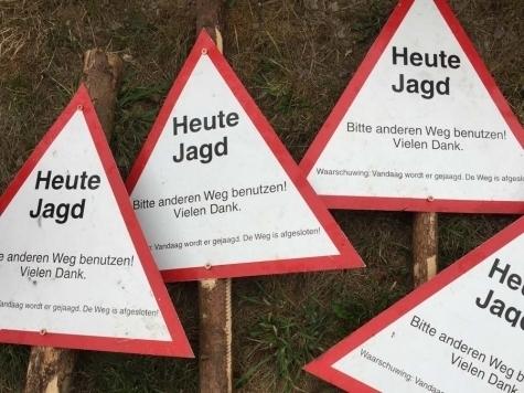 Am 11. Januar wird bei Bömighausen auf Schalenwild gejagt - Hunde und Wild können die Straßen überqueren.