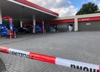 Die Polizei  sucht nach einem Zeugen, der sich zur Tatzeit in der Tankstelle aufgehalten. hat.