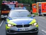 Polizeibeamte kontrollieren die Geschwindigkeit  auf der Hellefelder Höhe. Nur einen Tag vorher kam es hierzu einem tödlichen Verkehrsunfall.