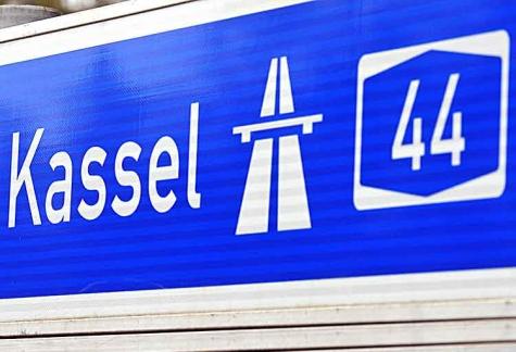 Erstmeldung: Lkw bei Unfall auf A 44 in Richtung Dortmund umgekippt