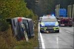 Die Fahrerin des Polo wurde zum Glück nur leicht verletzt. Sie und ihre Beifahrerin konnten den Wagen selbstständig verlassen.