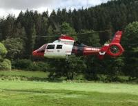 Mit einem Rettungshubschrauber musste ein schwerverletzter Mann ins Krankenhaus geflogen werden.