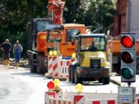 Auf der Bundesstraße 253 werden Schadstellen beseitigt.