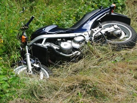 Mit seiner Kawasaki wurde ein Holländer an 22. Juni auf die Straße geschleudert.