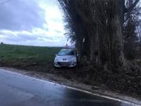 Zwischen Berndorf und Mühlhausen ereignete sich ein Alleinunfall.