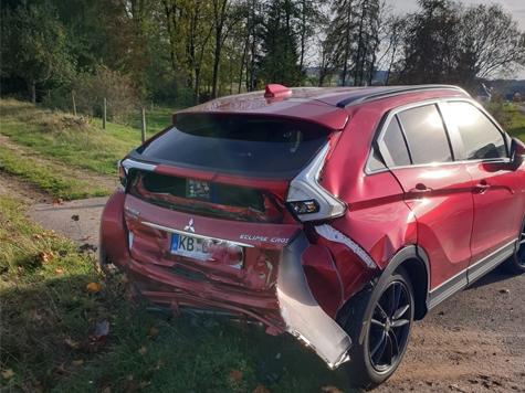 Ein Auffahrunfall mit hohem Sachschaden ereiognete sich am 25. Oktober 2019 auf der Landesstraße 3076.