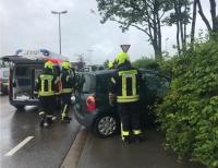 Am 19. Juli verlor eine Frau aus der Gemeinde Lichtenfels die Kontrolle über ihren Renault und landete in einer Hecke.