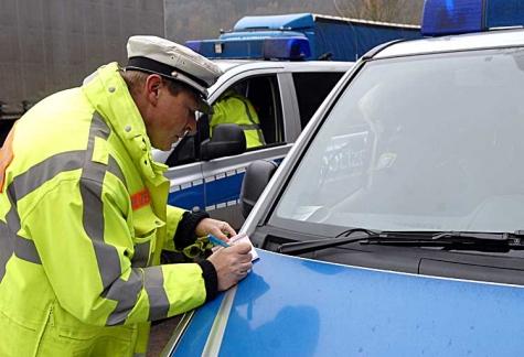 Am 18. Mai ereignete sich eine Verkehrsunfallflucht in Frankenberg - falls sich der Zeuge bei der Polizei meldet, stehen die Chancen gut, den Täter zu ermitteln.