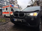 Dieser BMW landete am 10. Januar vor der Zweigstelle der Frankenberger Bank
