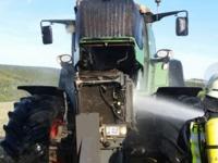 In Waldeck brannte am Samstag ein Traktor im Tonnenweg.