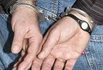 In Handschellen wurde ein polizeibekannter Täter in Wehlheiden abgeführt.