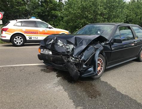Am 7. Juni kam es auf der Landesstraße 3076 zu einem Verkehrsunfall