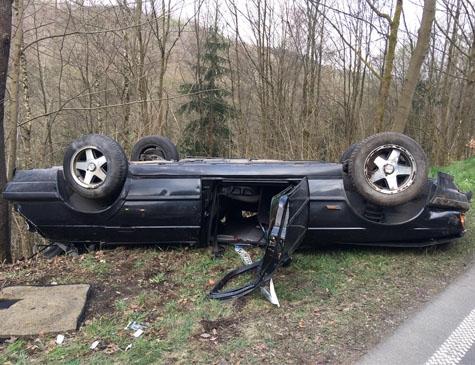 Am Abzweig nach Osterfeld verunglückte am 7. April ein 18-jähriger Mann aus Allendorf (Eder) mit seinem BMW