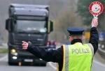 Die Polizei führte an der Bundesstraße 7 bei Kaufungen Lkw-Kontrollen durch.