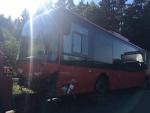 Der verunglückte Bus bei Friedrichshausen konnte geborgen werden.