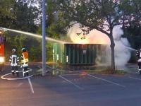 Auf dem Hof einer Kasseler Schule brannte am Donnerstag ein Container.
