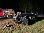 Ein Verkehrsunfall auf der Bundesstraße 485 forderte Rettungskräfte, die Feuerwehr und die Polizei heraus.