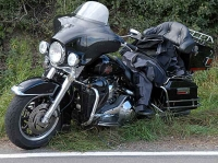 Am 11. Juli stürzte ein Motorradfahrer auf der Kreisstraße 25 und verletzte sich dabei.