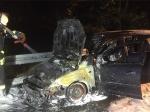 Auf der Autobahn 44 brannte ein Ford Mondeo komplett aus.