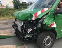 Der Fahrer im grünen VW-Bus übersah am 19. Juli einen Audi A3 auf der Flechtdorfer Straße.