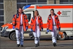 Fabian Lütteken, Lara Scheller und Eric Schröder, drei Notfallsanitäterazubis des DRK Kreisverband Frankenberg gehen motiviert ihren Weg, um Menschen in Not zu helfen.