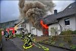 Die Feuerwehr verhinderte mit ihrem schnellen Eingreifen ein Abbrennen eines Wohnhauses.