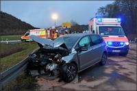 Beide Fahrzeuge wurden bei dem Unfall total zerstört, vier Frauen wurden teils schwer verletzt.