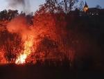 Eine Hütte brannte am 7. November 2020 bei Volkhardinghausen komplett nieder.