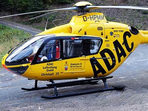 Mit einem Rettungshubschraubermusste ein 72-jähriger Mann am 22. Juni in eine Kasseler Krankenhaus geflogen werden.
